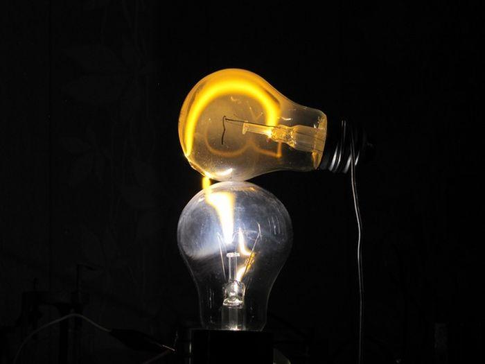 Опыты с электричеством и подручными предметами (35 фото)