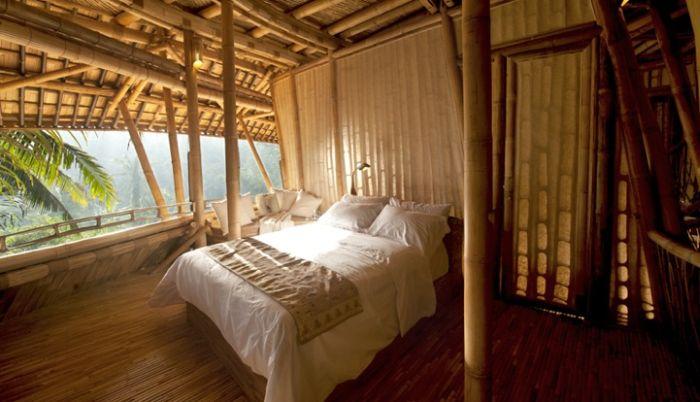 Дом из бамбука на Бали (15 фото)