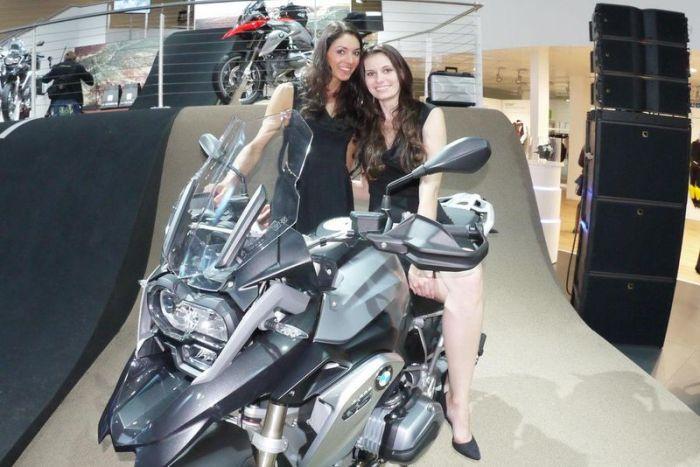 Девушки с мотовыставки Intermot 2012 (106 фото)