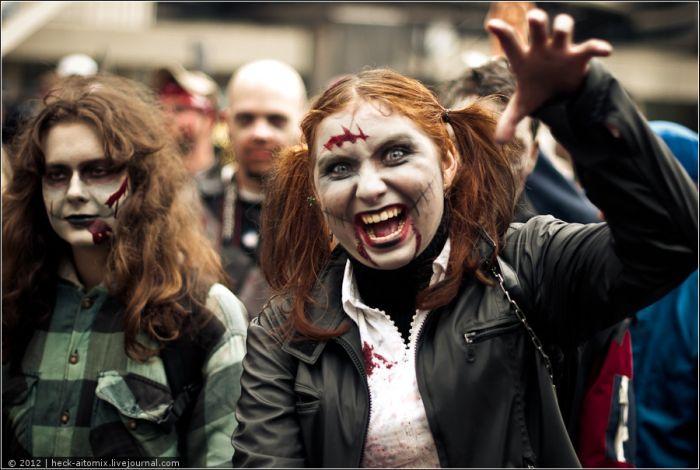 Грандиозный зомби-парад в Торонто (75 фото + видео)