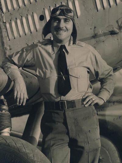 8 июля 1965 года во время работы над кинокартиной «Полет Феникса» (1965) в одной из пустынь Аризоны Мантц врезался в холм на самолете Tallmantz Phoenix P-1, сконструированном специально для фильма.