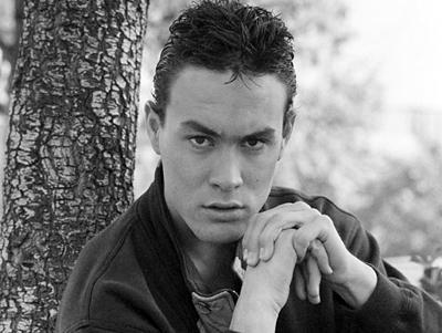 После такого оглушительного прорыва в своем следующем фильме «Беглый огонь» (1992) Брэндон сам придумывает сцены всех боев. Окончательно звездный статус актера должна была закрепить роль в кинокартине «Ворон» (1994).