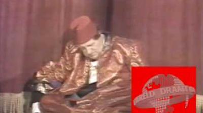 63-летний Купер упал на глазах миллионов телезрителей во время шоу Live From Her Majesty`s, транслируемого в прямом эфире. И зрители, и помощники актера решили, что это падение - часть выступления. Однако Купер так и не поднялся. О его смерти было объявлено на следующее утро.