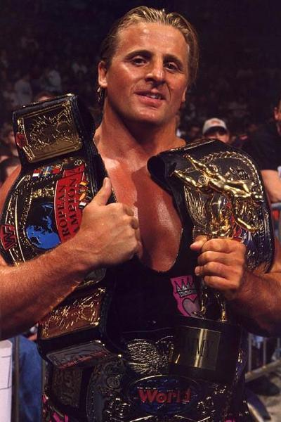 Оуэн Харт (Owen Hart) - известный канадский профессиональный рестлер, представитель канадской династии рестлеров Харт, родной брат Брета «Хитмана» Харта. Выступал в нескольких федерациях рестлинга, таких как NJPW, WCW, WWF.