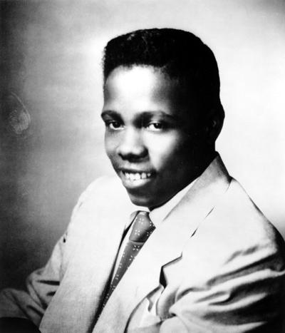 Джонни Эйс (Johnny Ace) - известный в середине 50-ых годов американский исполнитель ритм-энд-блюза, автор нескольких популярных синглов. На начало 1955 года было продано более 1,75 млн. записей музыканта.