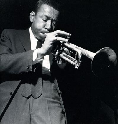 Ли Морган (Lee Morgan) - американский джазмен-трубач, игравший в стиле хард-боп. На протяжении всей своей карьеры, начиная с 1956 года, постоянно записывался в качестве трубача-солиста и композитора, выпустив в общей сложности 30 альбомов.