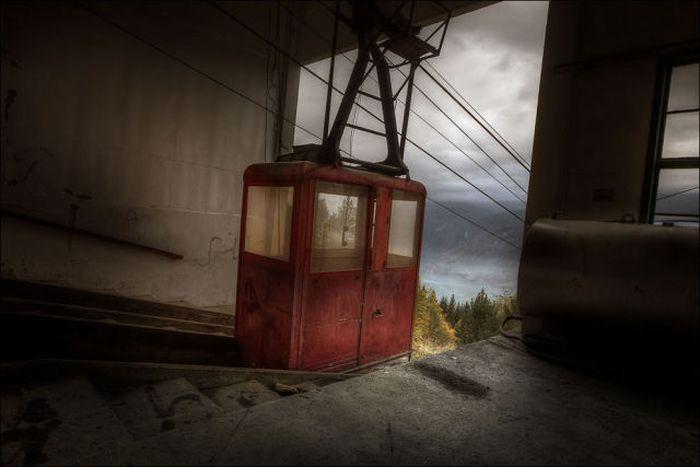 Пугающие снимки заброшенных строений (40 фото)