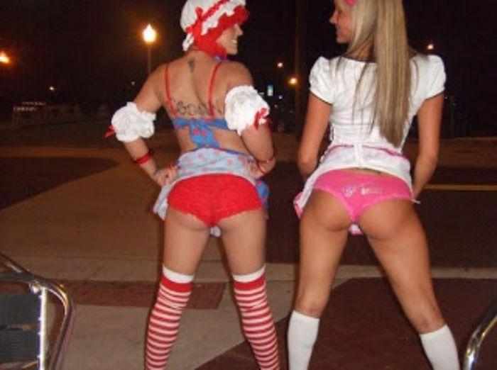 Симпатичные девушки празднуют Хэллоуин (159 фото)
