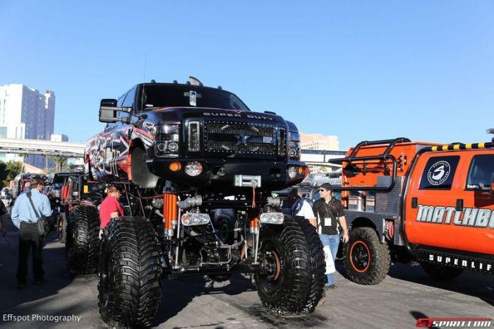 Самые необычные и крутые автомобили с выставки SEMA 2012 (48 фото)