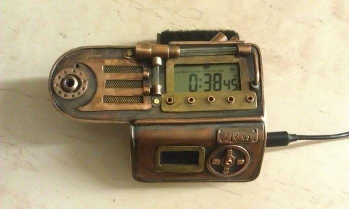 Креативные стимпанк-часы с полезными функциями (29 фото)
