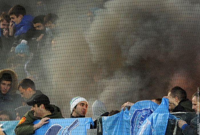 Во что превращается футбольный матч благодаря болельщикам (10 фото)