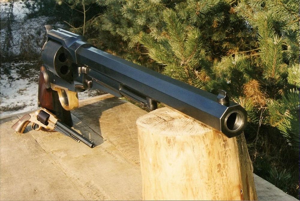 Самый большой револьвер в мирет