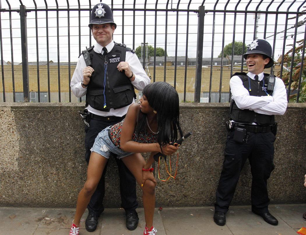 smotret-porno-roliki-politsiya