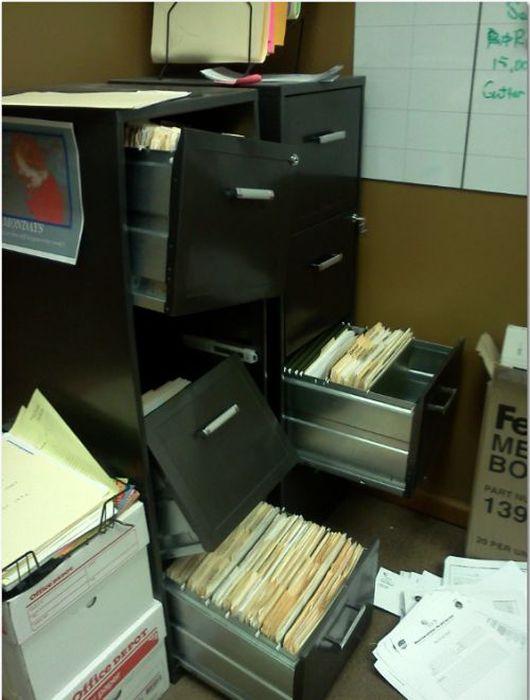 Прикольные картинки о том, как можно ненавидеть свою работу.
