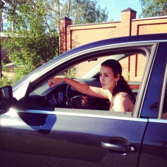 igri-starih-devushki-na-avto-vi-gde-skritie