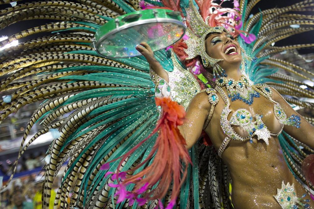430Бразильский карнавал голые сиськи