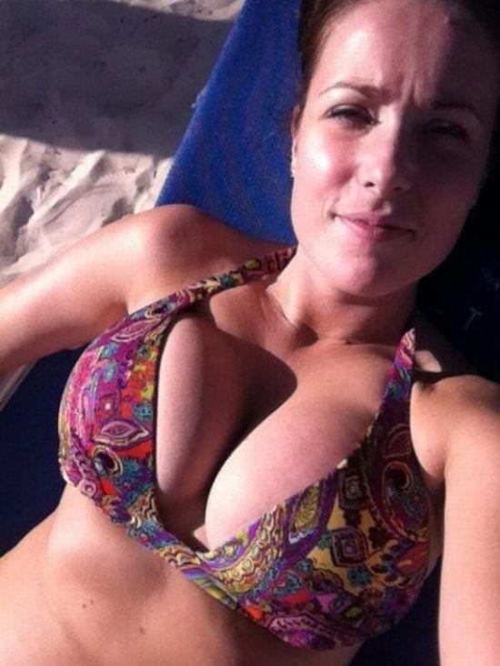 Сексуальные девушки с внушительным размером груди (60 фото)