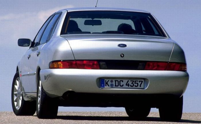 Подборка самых некрасивых машин всех времен (57 фото)