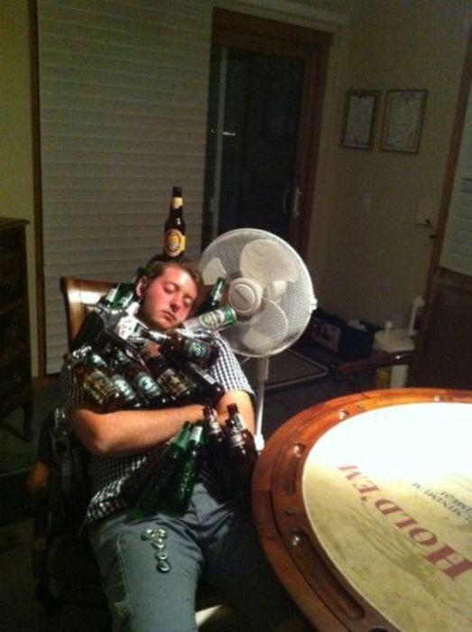 Пьяные люди и приколы над ними (66 фото)