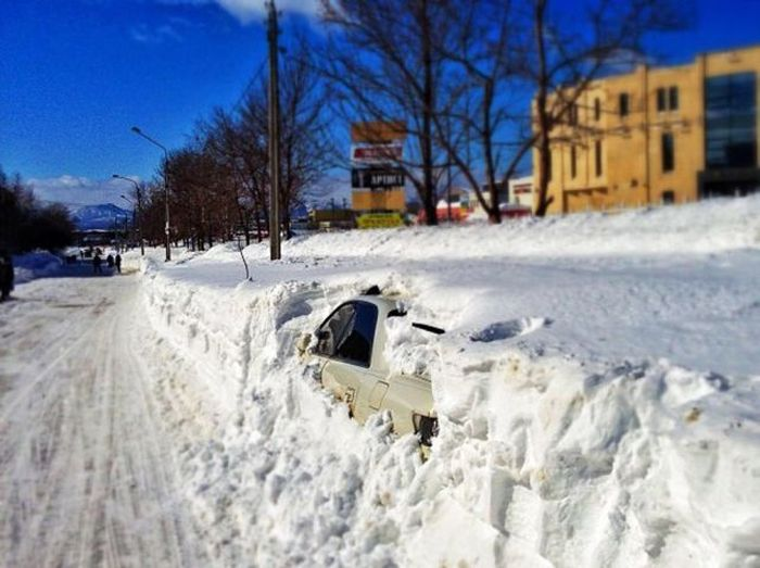 В Южно-Сахалинске весной не пахнет (55 фото)