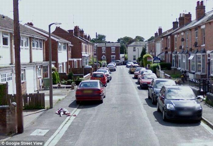 Тело 10-летней девочки было найдено на Google Street View (5 фото)