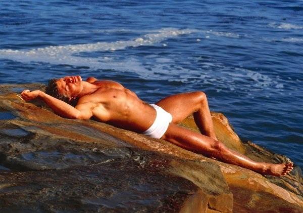 качественные фото голых женщин на море