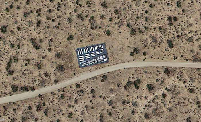 Странные объекты на территории США (14 фото)