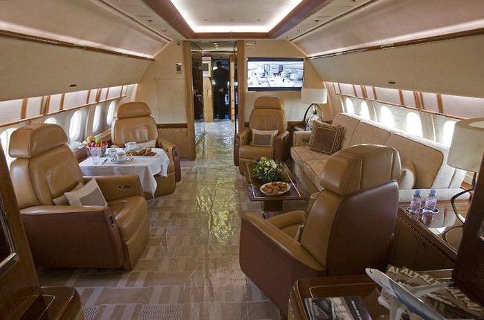 Дорогостоящий интерьер частных самолетов (25 фото)