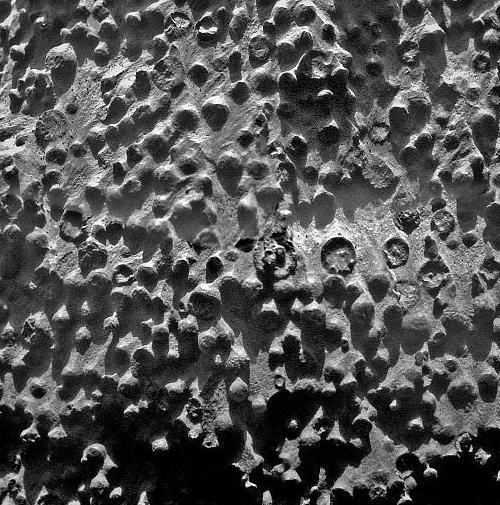 Марсоход Opportunity обнаружил странные шарики