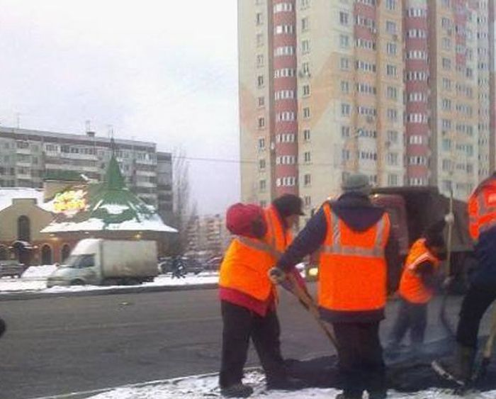 Дорожные службы появляются только с наступлением холодов (94 фото)