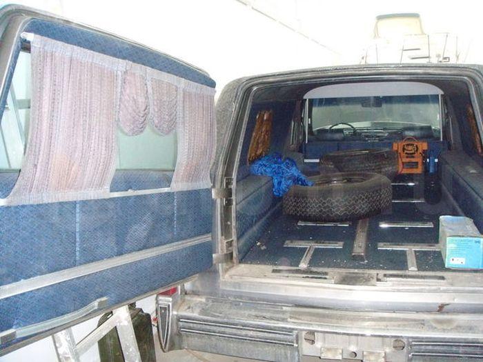 Как с юмором продать катафалк Cadillac Fleetwood (10 фото)