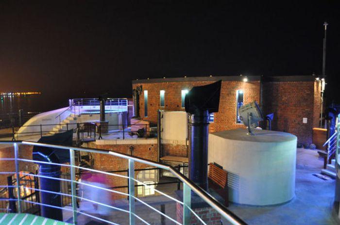 Гостиница премиум класса на воде (35 фото)