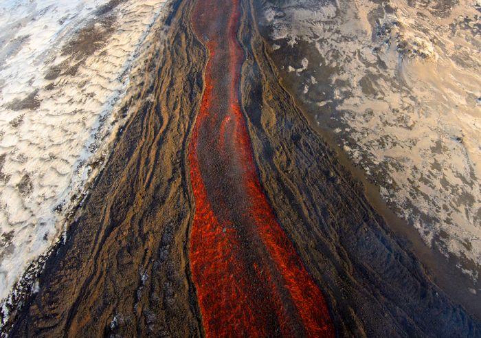 Мощное извержение вулкана на Камчатке (8 фото)