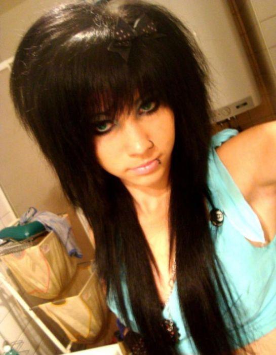 Привлекательные и необычные девушки эмо (40 фото)